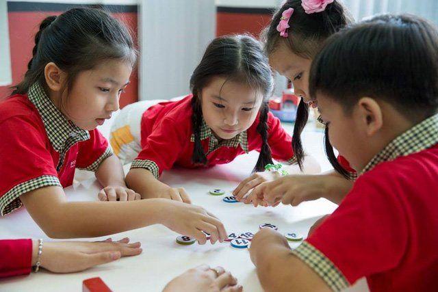 Cho trẻ chơi những trò kích thích tư duy sáng tạo