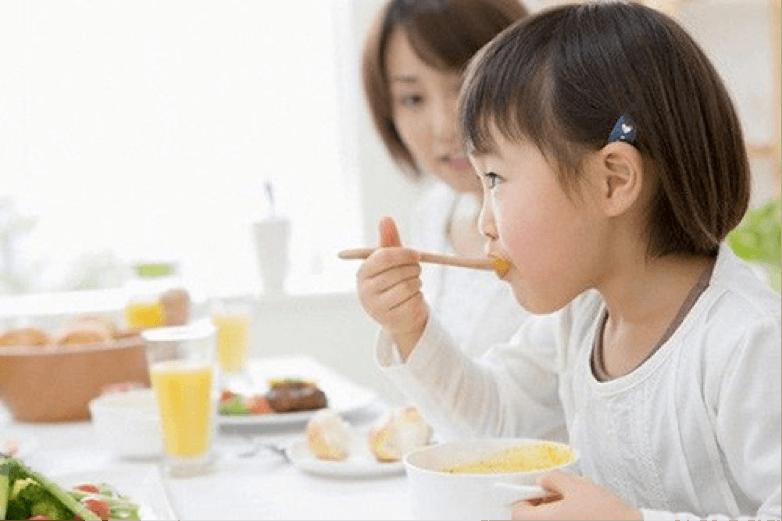 Chế độ dinh dưỡng ở lứa tuổi lên 3