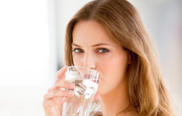 Uống nước đều đặn