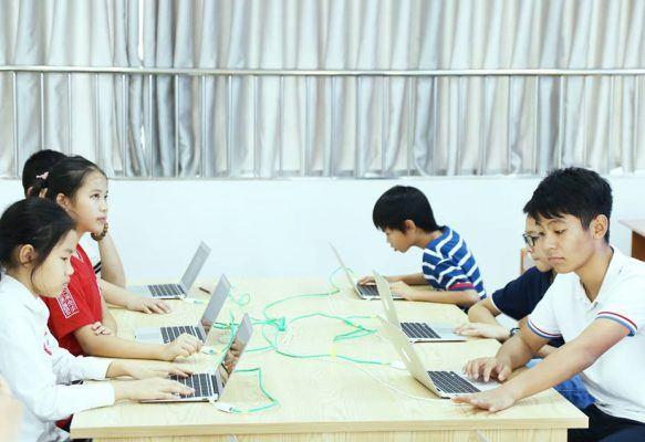 Mỗi giờ học đều tạo cho các em sự tập trung cao độ tạo niềm đam mê