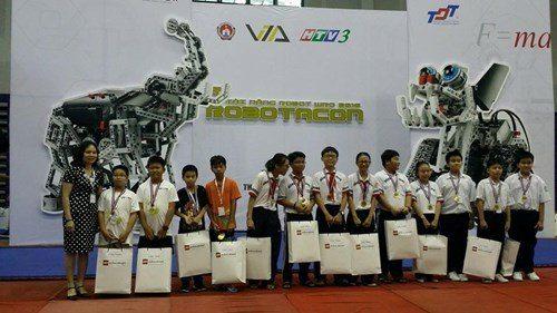 TrườngWellspringxuất sắc dành Huy chương bạc tại vòng chung kết Robotacon Wro 2016.