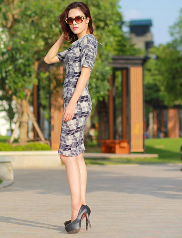 tối giản màu sắc trang phục đi chơi tuổi 30
