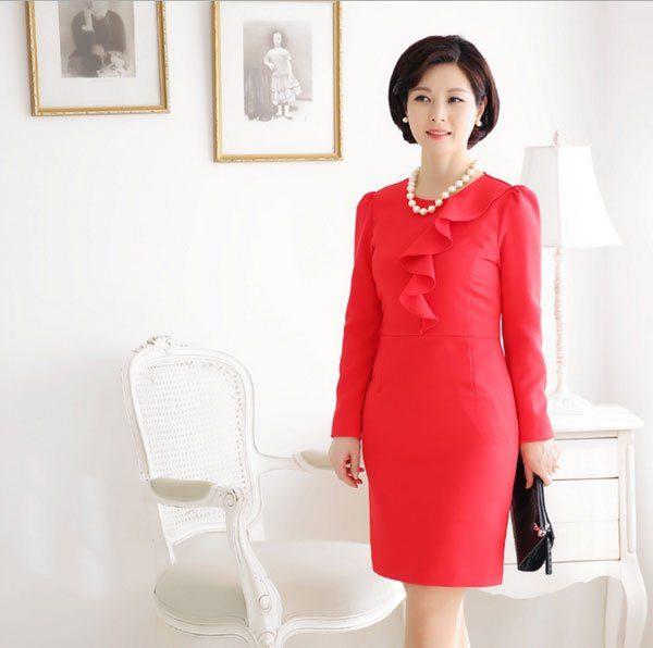 Những mẫu đầm đỏ để thêm nổi bật