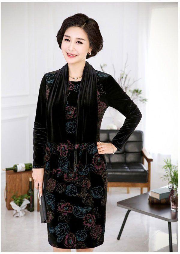 thời trang tuổi 40 với đồ nhung màu đen