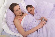 Chồng không gần gũi với tôi khi ngủ, tôi phải làm sao đây?