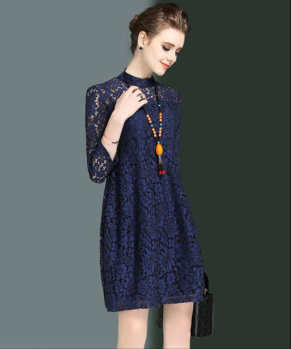 mẫu đầm suông họa tiết ren - Mẫu váy liễn phụ nữ tuổi 30