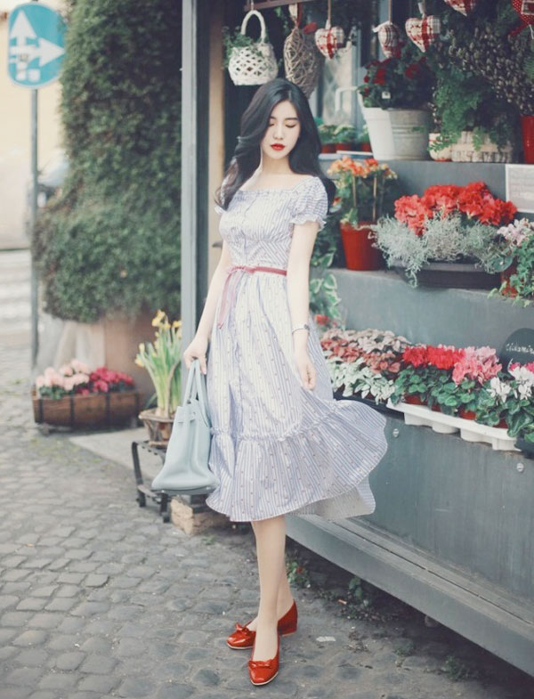 Mẫu đầm dáng suông nữ tính - Mẫu váy liễn phụ nữ tuổi 30